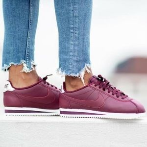 NWOB Nike Leather Classic Cortez Sneakers